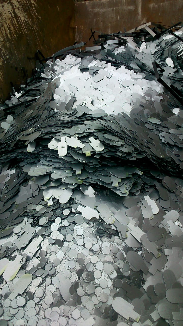 Sucata de Aço Galvanizado Aprox. 120 ton a gerar em 6 meses.
