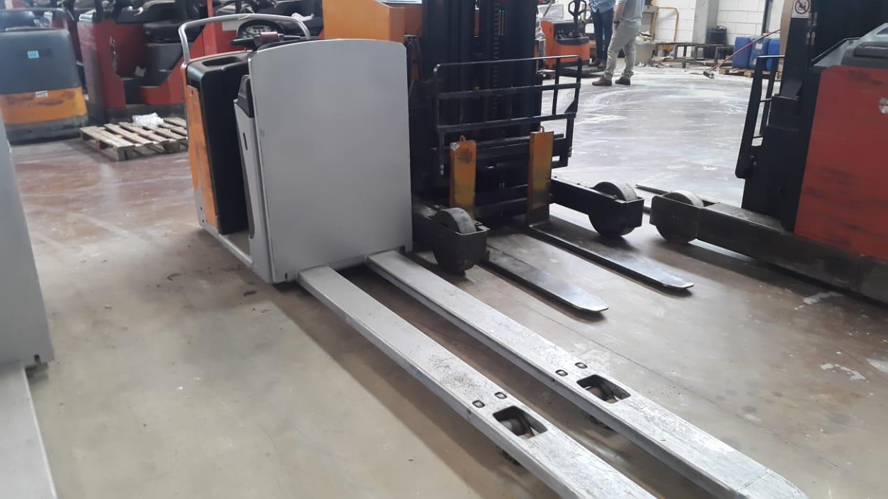Paleteira Elétrica Still Completa – Garfo Duplo 02 pallets 2012