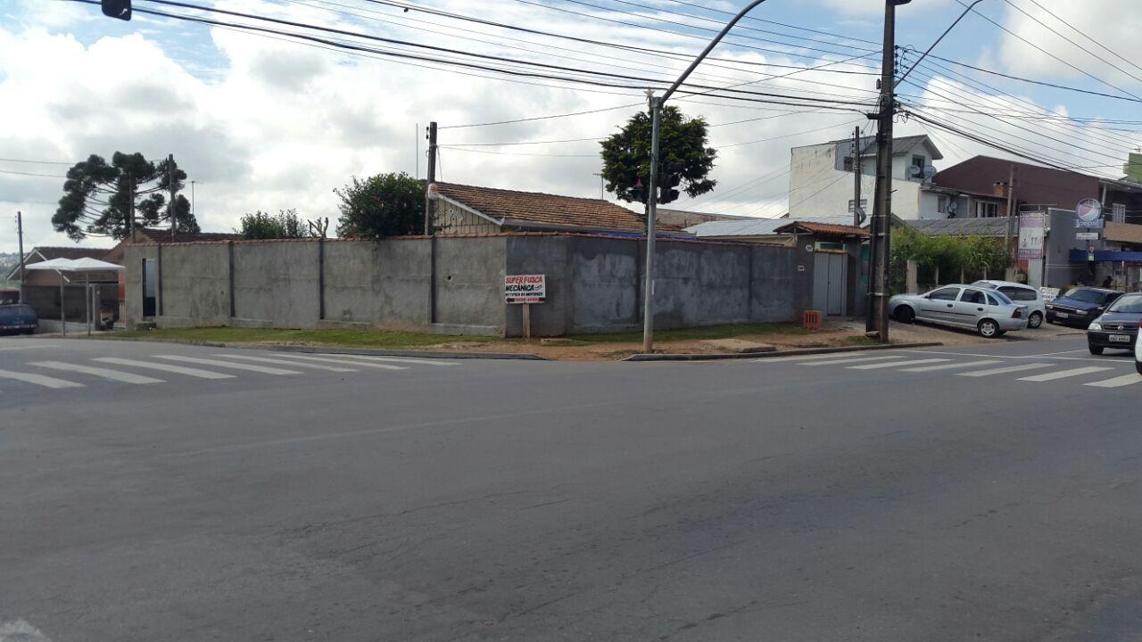 Terreno Urbano com Benfeitorias com 937 m²