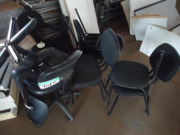 Banco Triplo de Cadeiras Estofadas