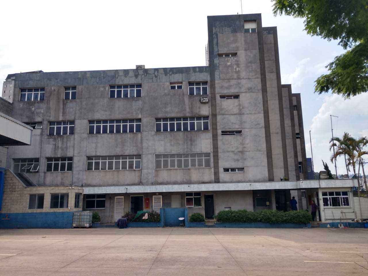 Prédio e Galpão Industrial com Instalações para Frigorífico