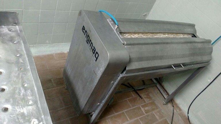Máquina Lavadora de Salame - Aço Inox (AISI 304) com Cerdas de Nylon Engmaq