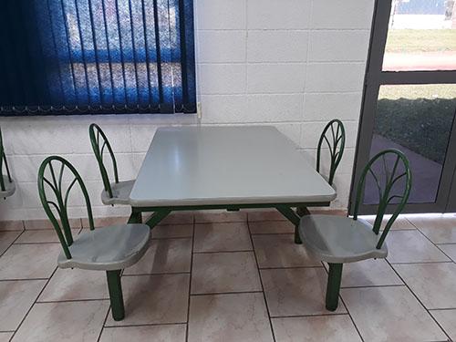 Mesas para Refeitório com Encosto