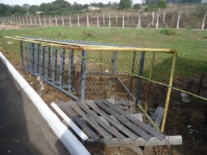 Escada Metálica Móvel com Plataforma