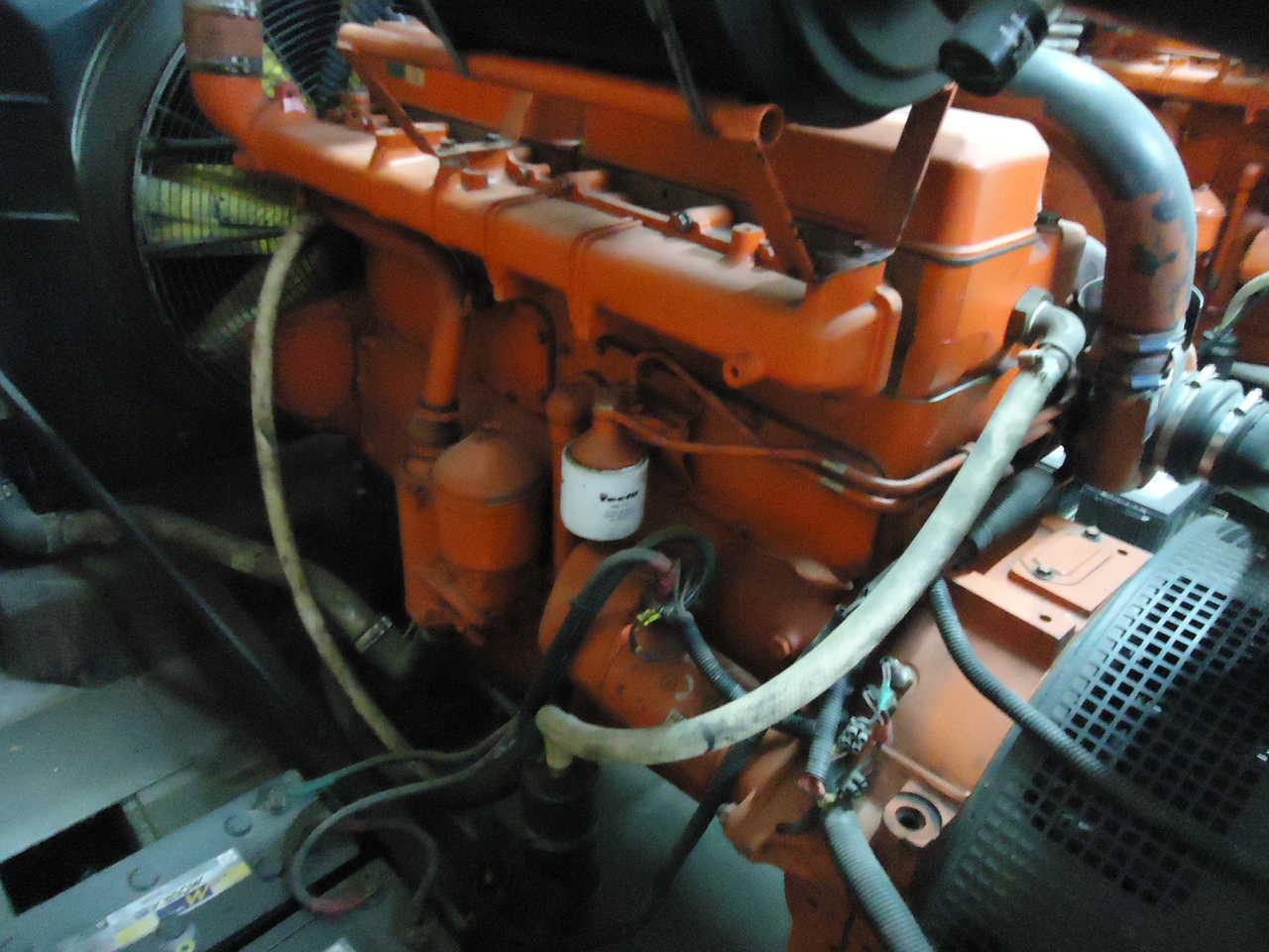 USINA GRUPO GERADOR DIESEL 4 X SCANIA DSC 11 WEG/GTA 440/400KVA