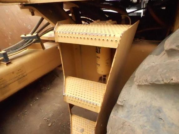 Rolo Vibratório Auto-propelido Caterpillar CS-533-EP Ano 2006